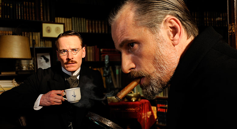 Michael Fassbender as Dr. Carl Jung and Viggo Mortensen as Dr. Sigmund Freud in A Dangerous Method.
