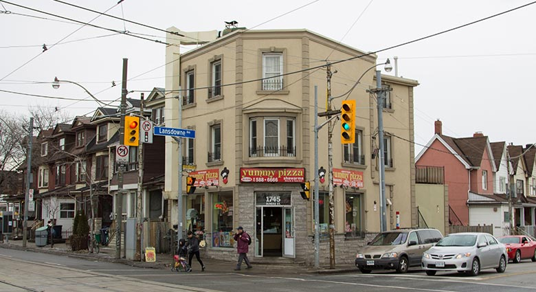 Dunlan restaurant, which formerly stood at Dundas St. W. and Lansdowne Ave., was used as a location in Naked Lunch.