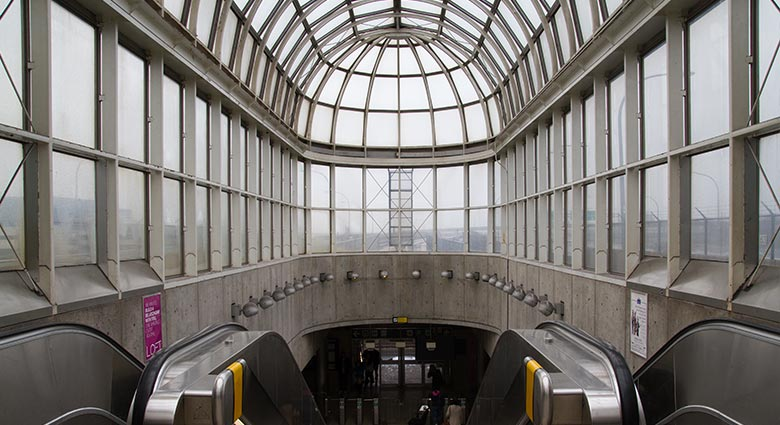 This contemporary photo of Yorkdale Station shows the station looking much the same as it did in Scanners.